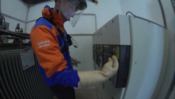 Film sur les métiers de mécanicien & électricien